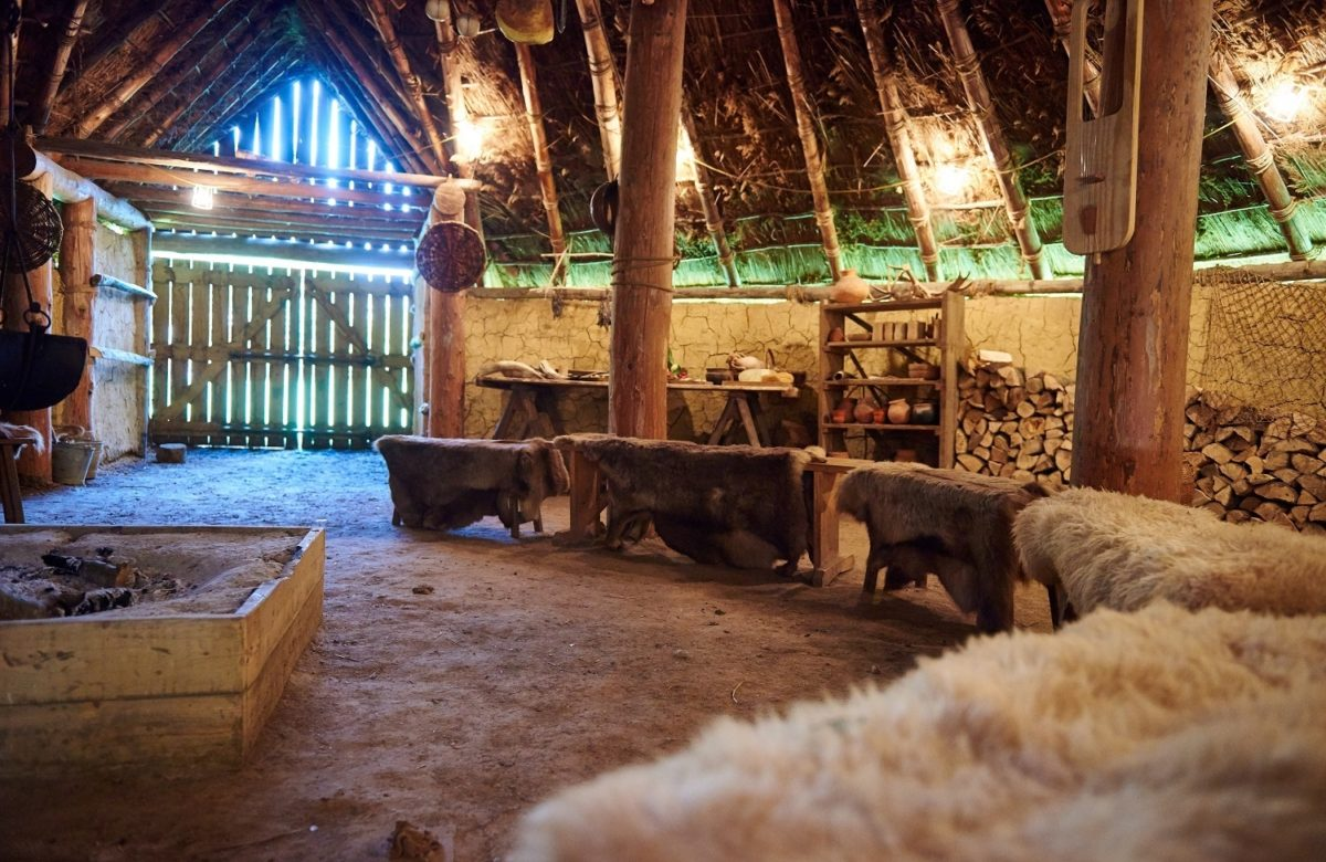 A barn with cosy benches