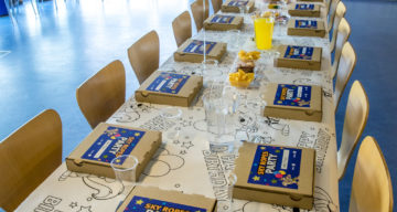 A table ready for a birthday party
