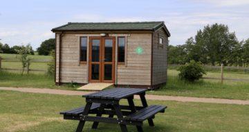 Camping hut2